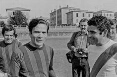 Cinco pistas sobre Pasolini. Algunas claves sobre el universo del cineasta italiano en el 40º aniversario de su muerte. Javier Rodríguez Marcos | El País, 2015-11-02 http://cultura.elpais.com/cultura/2015/11/02/babelia/1446466960_395148.html