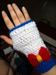 crochet sailor moon   Sailor Moon Fingerless Gloves -totally make these into sailor mars ...