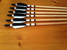 Hand crested English longbow arrows