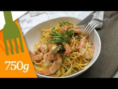 Recette de Crevettes sauce piquante - 750 Grammes - YouTube Food And Drink, Meat, Chicken, Ethnic Recipes, Al Dente, Healthy Pastas, Hot Sauce, Buffalo Chicken, Rooster