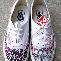 one direction vans Louis should wear these ;) <<<< forget Lou, I NEED THESE! One Direction Shoes, One Direction Merch, One Direction Louis, One Direction Pictures, One Directin, Vans Off The Wall, Painted Shoes, Custom Shoes, Me Too Shoes