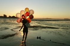 Beach+and+balloons
