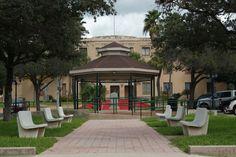 North view of Gregorio Barrera Plaza