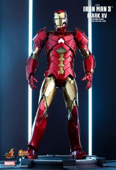 """With its built-in cloaking system, the Mark XV """"Sneaky"""" armor is among the most unique armors in Tony Stark's """"House Party Protocol"""" in Iron Man - Based on the construction of Sneaky (Mark XV) from Iron Man Iron Man Suit, Iron Man Armor, Iron Man 3, Marvel Comic Universe, Marvel Dc, Marvel Cinematic Universe, Hot Toys Iron Man, Special Pictures, The Dark Knight Rises"""