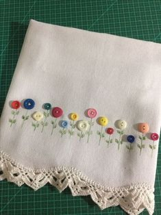 Embroidering with buttons on scarf Embroidery Flowers Pattern, Ribbon Embroidery, Flower Patterns, Embroidery Stitches, Sewing Patterns, Hand Embroidery Videos, Hand Embroidery Designs, Button Art, Button Crafts
