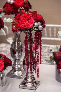 grey and red wedding decorations