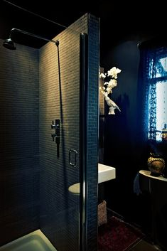 Black Bathroom | Remodelista