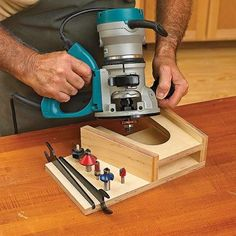Woodworking Jigs At-The-Ready Router Rest Woodworking Plan, Workshop Woodworking Jigsaw, Router Woodworking, Woodworking Workshop, Woodworking Furniture, Woodworking Shop, Woodworking Crafts, Popular Woodworking, Router Jig, Woodworking Quotes