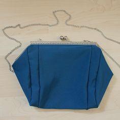 #mala #prateado #personalizar #bag #silver #personalized #petrol Coin Purse, Wallet, Purses, Handmade, Crafts, Instagram, Handbags, Hand Made, Manualidades