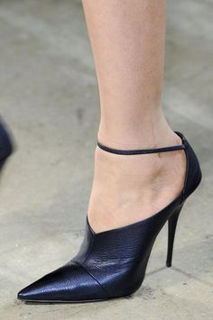 All the Scene-Stealing Shoes From New York's Fall 2013 Shows: Monique Lhuillier Fall 2013
