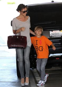 Victoria Beckham Photos - Victoria Beckham at LAX - Zimbio