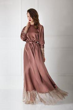 Luxury Silk lace-trimmed maxi gown with lace sleeves. Muslim Fashion, Modest Fashion, Fashion Dresses, Mode Abaya, Mode Hijab, Maxi Gowns, Satin Dresses, Asian Wedding Dress Pakistani, Satin