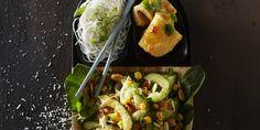 Boodschappen - Pindasalade met kokos en komkommer