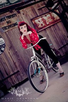 Perfect Rockabilly Style!! Love all of it!:: Rockabilly Fashion:: '50s :: Rockabilly Pin Up:: Pin Up Girl Fashion