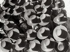 """luzfosca: """" Unknown Photographer The first day of school, Portugal, 1936 """" atitudine"""