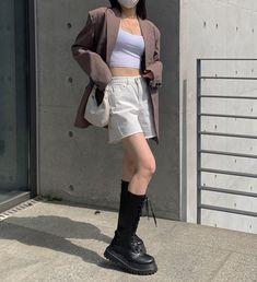 Kpop Fashion Outfits, Fall Outfits, Casual Outfits, Swaggy Outfits, Cute Outfits, Korean Girl Fashion, Retro Fashion, Tokyo Fashion, Aesthetics