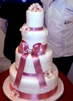 il matrimonio con i fiocchi #weddingcake di http://www.simocakedesigner.it
