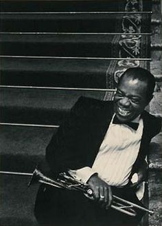 Louis Armstrong sings Blues in the Night