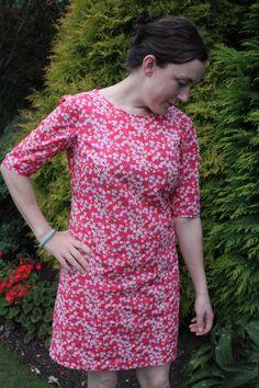 Colette Laurel in Liberty Tana Lawn Mitzi. Found here: http://sewsouthlondon.wordpress.com/2014/09/26/laurel-in-liberty/