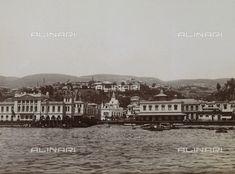 Lo sbarco e la dogana a Valparaiso in Cile, 1900 ca., Raccolte Museali Fratelli Alinari (RMFA), Firenze