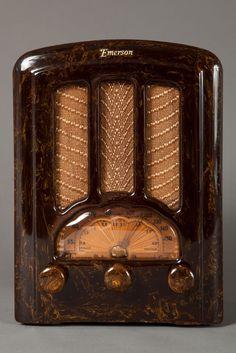 Emerson AU-190 Catalin Radio Beautiful Marbleized Brown