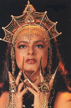 Bollywood Outfits, Bollywood Couples, Bollywood Fashion, Bollywood Celebrities, Rekha Actress, Bollywood Actress, Indian Aesthetic, Aesthetic Vintage, Bollywood Posters