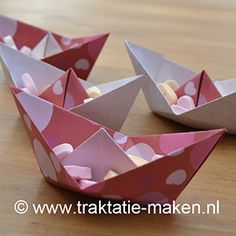 De mini-muisjes varen in bad Origami Boat, Appreciation Gifts, Valentine's Day Diy, Valentines Day, Valentine Ideas, Girl Birthday, Easy Crafts, Party Time, Diy Projects