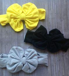 Messy Bow Headband // Baby Headband por MadiandBay en Etsy