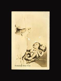 Original Vintage RPPC Photo / Nurse Holds Siamese by diabolus, History Of Nursing, Medical History, Vintage Nurse, Vintage Medical, Conjoined Twins, Human Oddities, Post Mortem Photography, Danse Macabre, Historical Photos