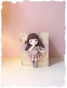 Tirelire ● figurine poupée ●