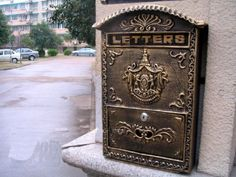 Victorian Style Wall Mounted Cast Iron Mailboxes Weight 12lb (Antique Bronze Aristocracy) amoylimai http://www.amazon.com/dp/B00FRLRQRC/ref=cm_sw_r_pi_dp_j63bwb0EWB7VV