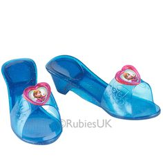 Frozen Anna -kengät. Ihanat siniset kengät on koristeltu Annan kuvalla ja niissä on pieni korkokanta.