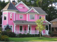 Google Image Result for http://4.bp.blogspot.com/-Bgzx01urva8/TaBUT4ryYwI/AAAAAAAAAhA/4KCE8DYUAJo/s1600/simple_life_pink_house.jpg