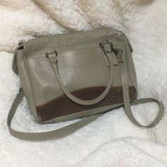 LAST CHANCE ‼️ Vintage Giani Bernini Purse  LOWEST PRICE  Genuine leather, made in Indonesia. Vintage in great condition!!! A few blemishes (pictured) but it all adds to the charm. Bottom not as stiff. Locked in handles and a removable strap. Zipper for main compartment with additional zipper pocket on inside. Also has front pocket. Happy Poshing!  (✖️pp // model // trade) Giani Bernini Bags Crossbody Bags