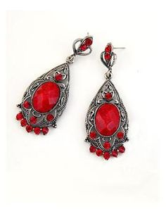 Costume Jewelry is not just for celebrities. Make residual income online while being glamorous. www.workwithbrandy.com