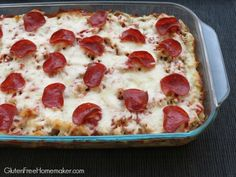 This gluten-free pizza casserole is a cross between pizza, spaghetti and lasagna. It's a delicious substitute for homemade pizza that your family will love. Wheat Free Recipes, Gf Recipes, Real Food Recipes, Cooking Recipes, Yummy Food, Dinner Recipes, Dinner Ideas, Gluten Free Menu, Gluten Free Pizza