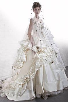 Vivienne Westwood Fall 2013 Bridal