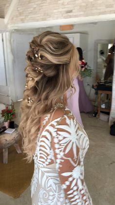 Bridesmaid Hairstyles Half Up Half Down, Bridal Hair Half Up Half Down, Half Up Wedding Hair, Long Hair Wedding Styles, Wedding Hairstyles For Long Hair, Boho Hairstyles, Wedding Hair And Makeup, Bride Hairstyles Down, Bridal Braids