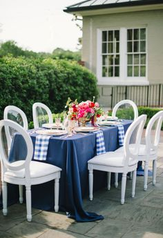 Blue and White Wedding Ideas - gingham-inspired-preppy-wedding-decor-ideas13