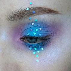 not usually a blue fan... but i do love stars. more eyeliner would be better