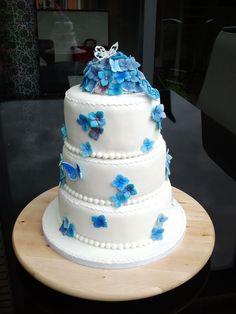 """Boerderijtaart, hortensia bruidstaart en m'n eigen verjaardagstaart (Pagina 1) - Bruids- en Stapeltaarten - Het """"DeLeuksteTaarten"""" - forum"""