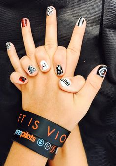 I need to do this nail art when I go to a twenty one pilots concert. Tyler Joseph, Tyler And Josh, My Chemical Romance, Twenty One Pilots, Band Merch, Staying Alive, My Music, Music Life, Cool Bands