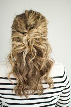 Up, curls for medium length hair, hair styles medium long, hair sty Medium Long Hair, Medium Hair Styles, Curly Hair Styles, Long Curly, Wedding Hair And Makeup, Hair Makeup, Hair Wedding, Makeup Hairstyle, Bridal Hairstyles