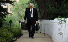 Robert Gates, former defense secretary, offers harsh critique of Obama's leadership in 'Duty'