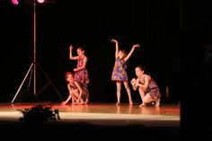 La Compagnie des Gazelles - cours enfants danse africaine - spectacle juin 2013 - Grenade / Garonne. Photo Sébastien Herrera