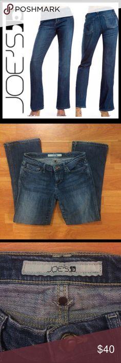 Joe's Blue Denim Flare Jeans Joe's Blue Denim Flare Jeans  5 Pocket, Zipper Fly, Very Slight Flare  Design Stitching on Back Pockets  98% Cotton, 2% Lycra Style: 37JC5805  Wash: Jackson Cut: JWD132 Joe's Jeans Jeans Flare & Wide Leg