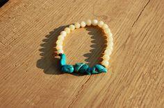 Handmade turkoois  beige natuursteen armband door EarlybirdiesNL