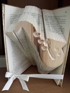 Book Folding Pattern for a Saxophone 247 by BookFoldingForever