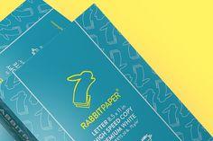 Empaque diseñado para papel. Excelente uso del esmeralda y el amarillo. Diseño en vectores. Rabbit Paper by Paragram & Co