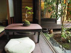 ゲストハウス錺屋 京都 縁側 Japanese Architecture, Kyoto Japan, Japanese House, Nihon, Outdoor Furniture, Outdoor Decor, New Kitchen, My House, Building